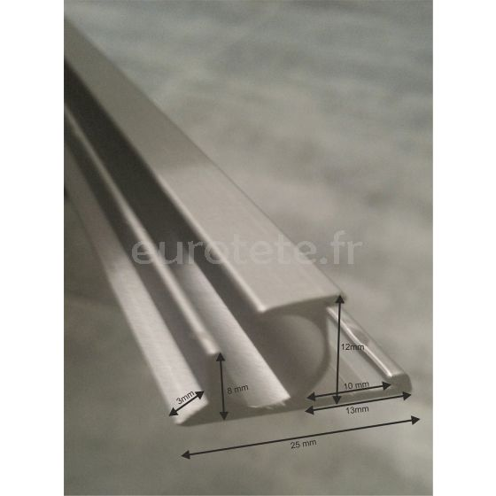 Perfil aluminio con guia para toldos de caravanas en camping 1