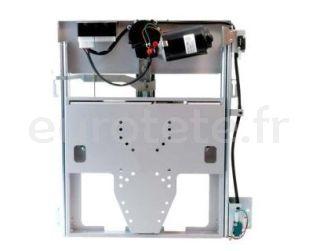 Soutenir la television electrique Project 2000 qui est abaissee vers le bas pour la television du camping-car